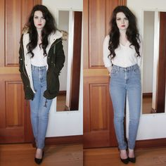 DREAM JEANS ♥ But she got them from a second-hand store --- ARGH Source by kaumie store Fashion outfits Thrift Store Fashion, Thrift Store Outfits, Capsule Wardrobe, Refashion, High Waist Jeans, Boho, Retro, Thrifting, Mom Jeans