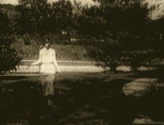 Zelda Fitzgerald in motion Scott And Zelda Fitzgerald, Francis Scott Key, Little Girl Lost, The Fitz, Writers And Poets, The Great Gatsby, Roaring Twenties, Blackbird, Hollywood Stars