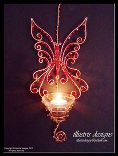 wire wrapped butterfly candlestick / suncatcher door illustrisdesigns op Etsy