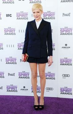 shorts suit ... Need it!