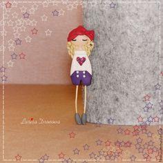 """Купить Брошь """"Катрин"""" - фиолетовый, бордовый, брошь из полимерной глины, брошь-девочка, брошка девочка"""