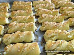 Twister tvarohové tyčinky | NejRecept.cz Bread Recipes, Dessert Recipes, Dairy, Cheese, Cooking, Health, Food, Hampers, Straws