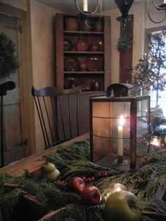 primitive homes picturetrail Primitive Christmas Decorating, Primitive Country Christmas, Prim Christmas, Christmas Decorations, Holiday Decor, Simple Christmas, England Christmas, Christmas Trees, Elegant Christmas