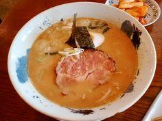 유노추보-돈코츠라멘 차슈에서 족발맛이나는 특이한 맛.