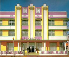 #ArtDeco | The Carlyle Hotel, Ocean Drive, South Beach, Miami, Florida. Designed by Kichnell & Elliott, 1941.