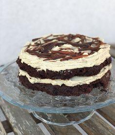 Tort de ciocolata si crema de cafea - Taste Bazaar