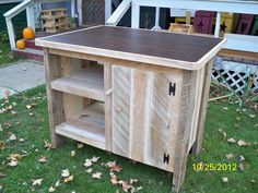 Pallets for a kitchen island. Nice!