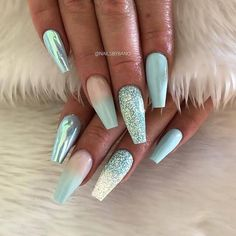 50 stunning blue nail designs for a bold and beautiful look #atemb   - Sommernägel - #atemb #beautiful #blue #bold #designs #Nail #Sommernägel #Stunning