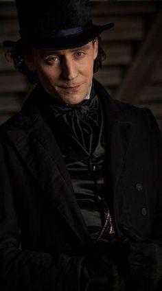 Tom Hiddleston in Crimson Peak. Full size image: https://i.imgbox.com/E8BGc6eu.jpg Via Torrilla