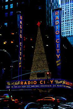 Christmas Music Hall, NYC - I wanna see the Rockettes!