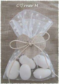 first communion favor ideas Wedding Favours, Party Favors, Wedding Gifts, Little Presents, Ideas Para Fiestas, Baby Boy Shower, Communion, Christening, Diy Gifts