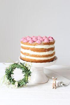 Feines Handwerk: Ein Naked Cake und wie schnell ein Oster-Wochenende verfliegt