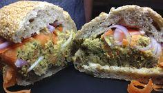 Sandwich de hamburguesa de setas y olivada · @sandwishare · #sandwich