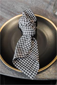 5 Simple Napkin Folding Ideas for Your Wedding Reception, - Servietten Wedding Reception Tables, Wedding Napkins, Wedding Receptions, Reception Ideas, Linen Napkins, Cloth Napkins, Fancy Napkin Folding, How To Fold Napkins, Wedding Napkin Folding