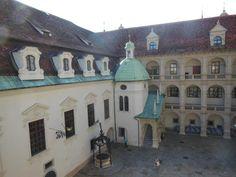 Graz: 7 atracciones para conocer la ciudad austriaca - EUROPEOS VIAJEROS Graz Austria, Mansions, House Styles, Monuments, Getting To Know, Europe, Tourism, Cities, Mansion Houses