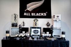 All Black's Table for the Rugby Fan Ball Birthday, Sons Birthday, Birthday Parties, Birthday Ideas, Party In A Box, Host A Party, Leopard Birthday, All Black Party, All Blacks Rugby