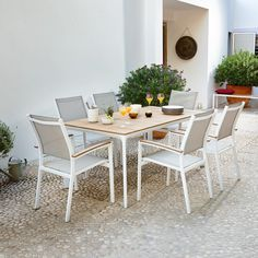Outdoor Furniture Sets, Outdoor Decor, Inspiration Boards, Dining Table, Table Chaise, Restaurant, Plein Air, Interior, Eucalyptus
