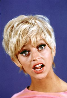 Funny Girl: These Vintage Goldie Hawn Photos Will Make Your Day Goldie Hawn Young, Goldie Hawn Kurt Russell, Dresses For Apple Shape, Instyle Magazine, Cosmopolitan Magazine, Celebrity Photos, Celebrity Style, Celebrity Babies, Celebrity News