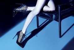 Le Silla black glossy CAGE. Discover the see-through shoe icon of the FW collection on www.lesilla.com #lesilla #shoes #cage