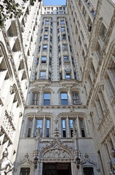 35 Gramercy Park East, New York City Landmarks That Won Awards Photos Architectural Digest, City Apartment, New York City, New York Landmarks, States In America, United States, Cultural Architecture, New York Architecture, Gramercy Park
