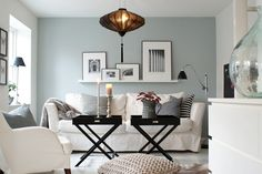 Small space decor - a Swedish apartment with grey, black and white palette.