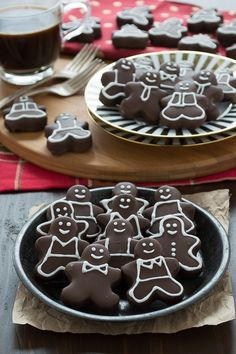 These gingerbread men have an oreo ball inside, they are amazing! I love that you can decorate them however you want!