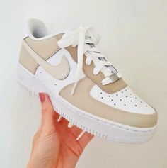 Dr Shoes, Swag Shoes, Cute Nike Shoes, Cute Nikes, Cute Sneakers, Hype Shoes, Shoes Sneakers, Girls Sneakers, Shoes Cool