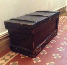 Vintage tool chest with drawers