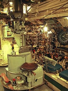 The navigation periscope in the control room of the WWII design British submarine HMS Alliance Naval History, Military History, Women's History, British History, Ancient History, American History, Native American, Cruisers, Royal Navy Submarine