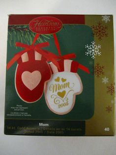 Mom Mittens Christmas Ornament 14k Gold Accents Carlton Cards Heirloom  #40 2005
