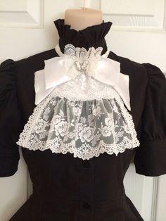https://www.etsy.com/de/listing/173452504/gothic-lolita-jabot
