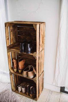 Pin by luz lulu acevedo on diy wood projects pinterest pallets diy room ideas and diy wood - Schuhregal aus obstkisten ...