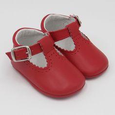 "Zapato modelo ""Jorgito"" de piel calado"