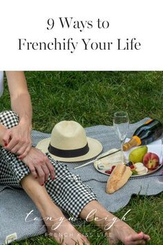 Ever dream of living in France? I have good news. You don't need a change of address to add a little ooh-la-la to your ilfe! Provence, French Lifestyle, Style Outfits, French Kiss, Oui Oui, Parisian Chic, French Style, The French, French Fashion