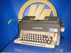 Maquina de escribir vintaje Olivetti