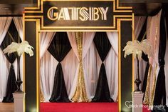 Great Gatsby Wedding Party Decorations Theme - New Site Great Gatsby Party Decorations, Prom Decor, 1920 Theme Party, Gatsby Wedding Decorations, 20s Theme Parties, Elegant Party Themes, Great Gatsby Themed Party, 1920s Theme, Art Deco Party