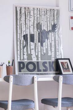 Plakat Ryszard Kaja, POLSKA. Krzesła PRL, Rajmund Hałas typ: 200-190 Poster by R.Kaja. Chairs,  designed by R.Hałas