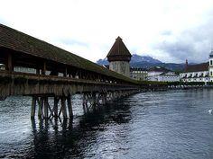 Kapellbrücke in Lucerne, #Switzerland #bridge #beautifulplaces