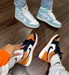 Uploaded by ℱℛᎯℕℂℰЅℂᎯ. Find images and videos about shoes and nike on We Heart It - the app to get lost in what you love. Source by yecarbeniaj head jordans fashion styles Dr Shoes, Nike Air Shoes, Hype Shoes, Me Too Shoes, Good Shoes, Jordan Shoes Girls, Girls Shoes, Best Jordan Shoes, Sneakers Mode