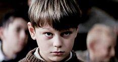 15 après le petit Pépinot du film Les Choristes est devenu un vrai canon Good Movies, Pop Culture, Canon, All About Time, Film, Boys, France, Ideas, Little Girl Fashion