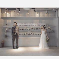 【ウェルカムスペース装飾】おふたりのヒストリーを時系列に並べたシンプルでオシャレなフォトスペース♡ Wedding Coordinator, Photo Booth, Wedding Photos, Reception, Photo Wall, Bridal, Formal Dresses, Couples, Party