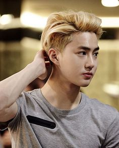 Suho's blonde hair is brighter than my days  #exo #exok #suho #kimjoonmyeon #blondehair