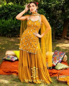 Party Wear Indian Dresses, Indian Fashion Dresses, Designer Party Wear Dresses, Indian Bridal Outfits, Indian Gowns Dresses, Kurti Designs Party Wear, Dress Indian Style, Indian Designer Outfits, Sharara Designs