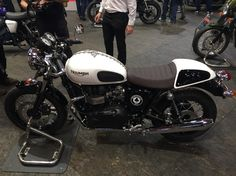 I need this in my life! Thruxton Ace bonneville ltd edition