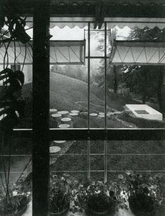 Pivoting awnings in a house by Egon Eiermann [298]   filt3rs
