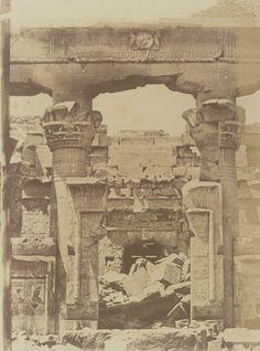 1849-1850 - Kalabcheh : porte du pronaos du temple. Photographe : Maxime Du Camp