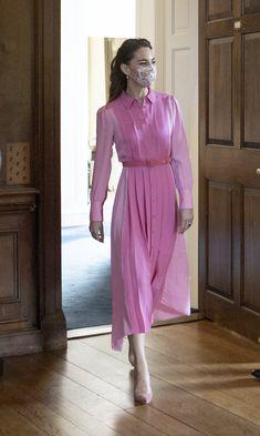 Kate Middleton Style Dresses, Estilo Kate Middleton, Princess Kate Middleton, Kate Middleton Skirt, George Et Charlotte, Silk Shirt Dress, Royal Fashion, Queen, How To Wear