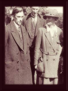 Rory O'Connor (left) with Constance Markievicz, June Irish Republican Army, Easter Rising, Ireland Homes, Free State, Irish Celtic, Women's History, Old Photos, My Hero, June