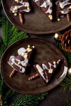Merkur Blog | Christbaum-Brownies Christen, Christmas Ideas, Sugar, Cakes, Desserts, Food, Banana, Children Cake, Trees