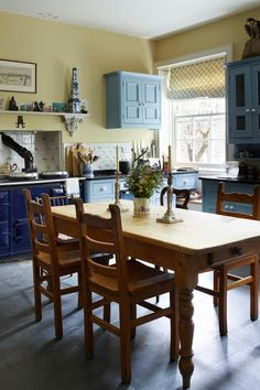 Kitchen - Traditional Cornwall House